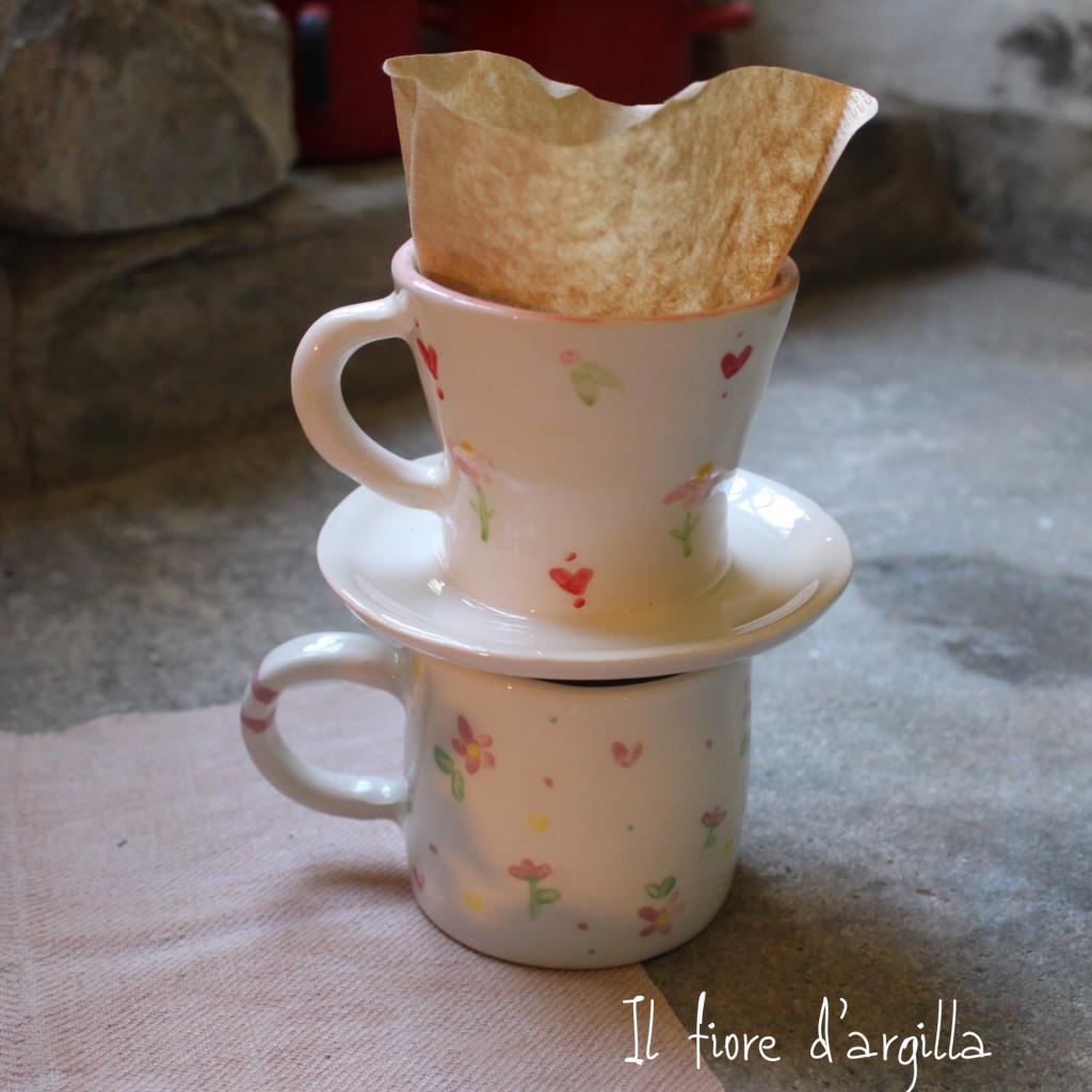Caffè filtrato set per uno: tazza grande e porta filtro fatto a tazza